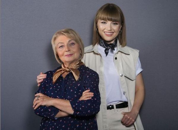 Alexandra Ungureanu și mama ei, Anca