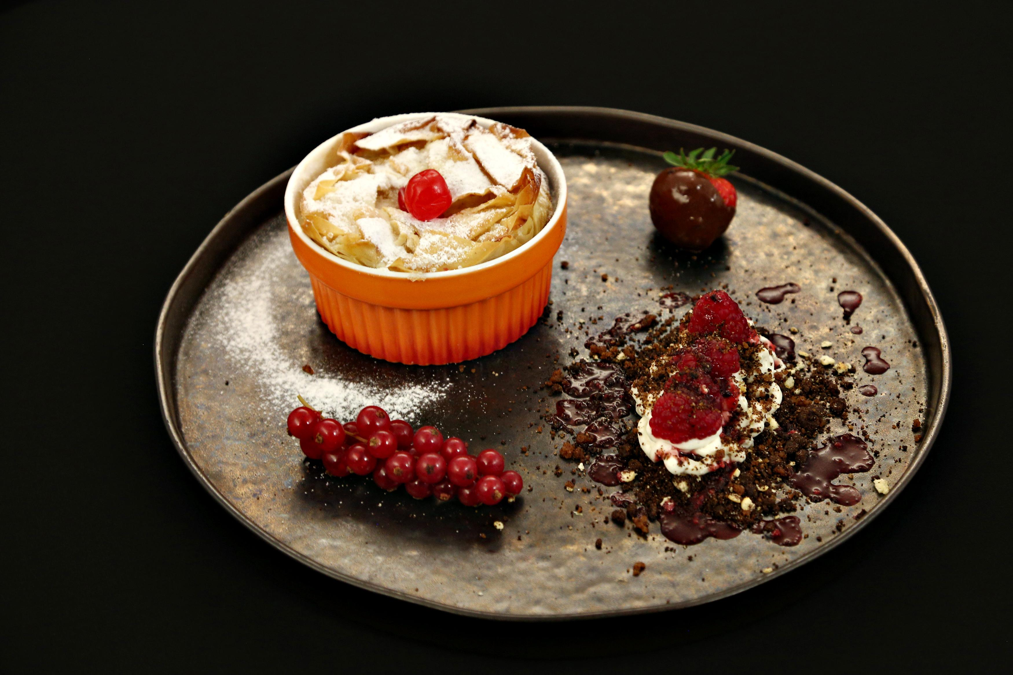 """Prăjitura lui mamaie, după rețeta Narcisei Birjaru de la """"Chefi la cuțite""""! Cum se face"""