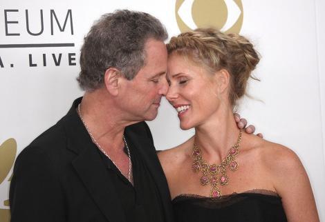 Lindsey Buckingham și soția lui, Kristen Messner, moment de tandrețe
