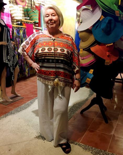 O femeie de 75 de ani s-a apucat de fitness și face senzație pe Instagram! Cum arată acum Joan MacDonald