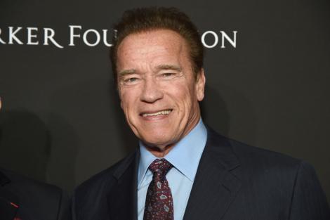 Arnold Schwarzenegger, de neoprit, la 73 de ani! Surprins pe bicicletă, într-o formă excelentă, pe străzile din Los Angeles