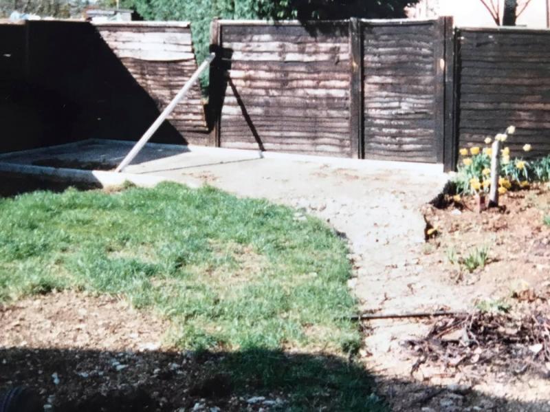 imagine cu un gard al unei curti