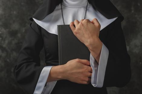 Sora Monica, călugărița de 55 de ani, care a devenit celebră pe TikTok datorită tenului ei perfect. Cum arată aceasta