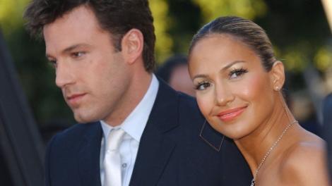 """Jennifer Lopez, fimată în ipostaze incendiare chiar de iubitul ei, Ben Affleck, de ziua ei, la 52 de ani. """"Bună, iubirea mea"""""""