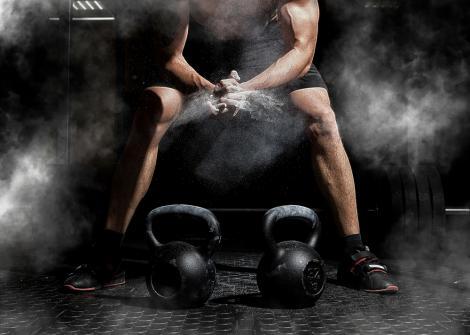 """Alex Solomin a devenit instructor de fitness după ani întregi de obezitate și vicii. I s-a spus că nu """"va trece de 30 de ani"""""""