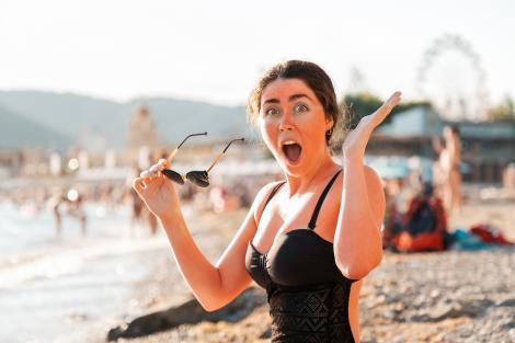 Laura Bevin a suferit arsuri de gradul 3 la plajă, după ce a folosit un produs pe care oricine l-ar putea confunda. Ce a utilizat