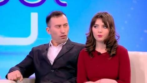"""Viorel Stegaru (stânga) și Vulpița Veronica (dreapta) în platoul emisiunii """"Acces Direct"""""""