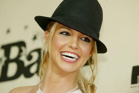 Britney Spears obține o victorie imensă. Tatăl ei renunță la tutelă, după 13 ani în care i-a controlat viața. Lupta continuă, însă