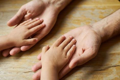 Adolescentul cu mâinile imense. Ce cauzează aspectul neobișnuit al lui Kaleem