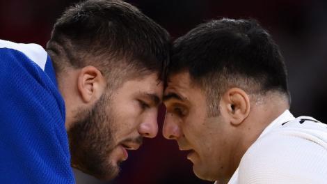 Judoka Vlăduţ Simionescu și-a scos la licitație toate obiectele primite cadou la JO 2020. De ce a ales sportivul să facă asta