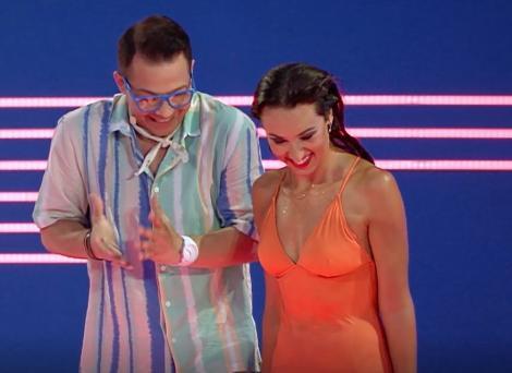 """Splash! Vedete la apă 2021. Natalia Duminică i-a oferit lecții de belly dance lui Jean de la Craiova. """"Mă văd în '77 acum"""""""