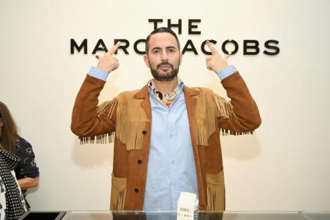 """Marc Jacobs și-a făcut un lifting facial, la 58 de ani. Creatorul de modă a publicat poze cu tot capul bandajat. """"Nu e o rușine"""""""