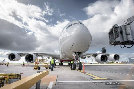 Poză generală cu un aeroport