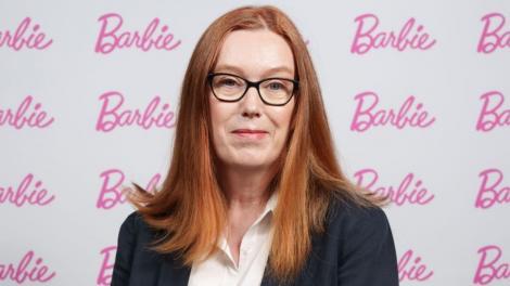 Sarah Gilbert, una dintre co-creatorii vaccinului Oxford-AstraZeneca, a devenit păpușă Barbie. Cum arată și de ce a fost creată