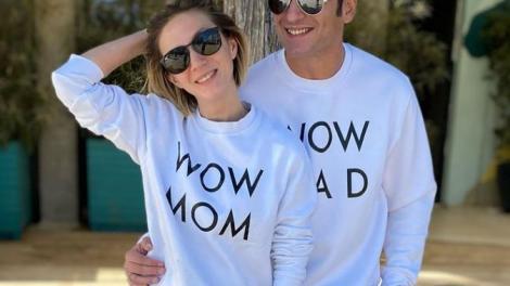 Ce nume au ales Radu Vâlcan și soția lui pentru fiul lor nou-născut. Adela Popescu poartă un colier cu inițiala fiilor ei