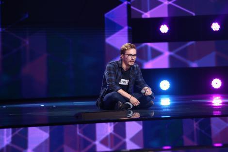 """Jurații X Factor, uluiți de un concurent din noul sezon. Claudiu Moise nu poate vorbi, dar cântă: """"Ce putere are muzica!"""""""