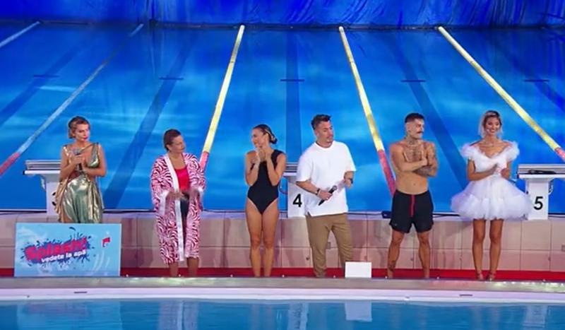 """Concurenții și prezentatorii emisiunii """"Splash! Vedete la apă"""""""