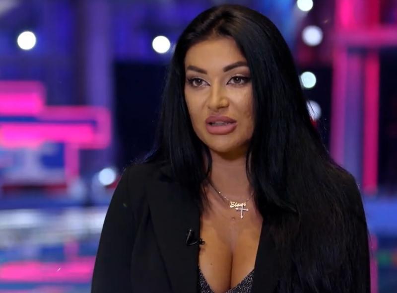 """Elena Ionescu în finala emisiunii """"Splash! Vedete la apă"""""""