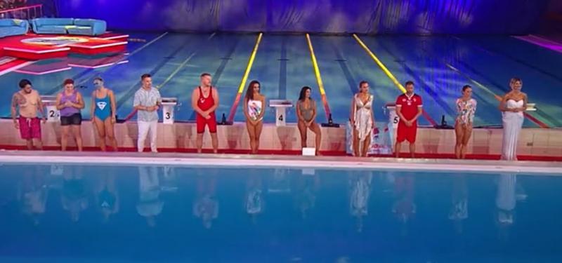 finalistii de la splash! vedete la apa stand pe marginea bazinului