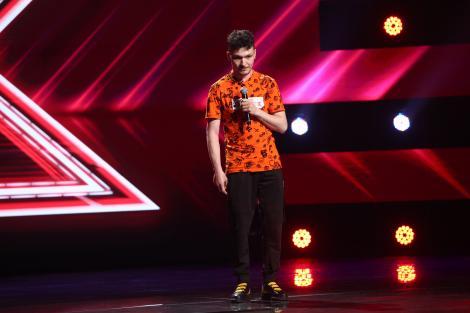 """X Factor 2021, 17 septembrie. Andrei Calancea a adus un omagiu tatălui său și apoi a uimit cu piesa """"Je suis le même"""" a lui Garou"""