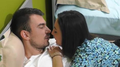 Mireasa 2021, sezonul 4. Victor și Andrada au intrat împreună în baie. Avertismentul a venit imediat