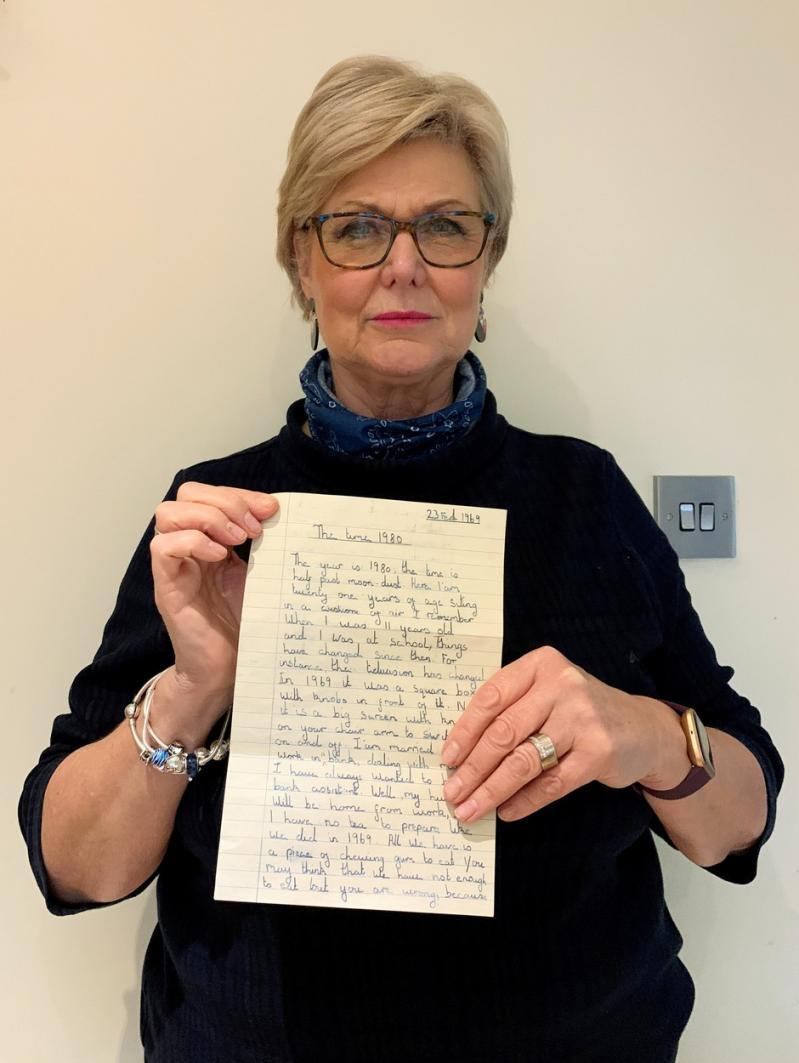 Rosa Beckerton si scrisoarea gasita pe canapea