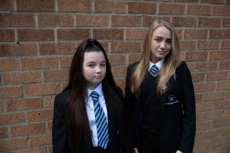 Olivia Harrison, o elevă din Marea Britanie, a fost sancționată, după ce a mers la școală cu glezna la vedere. Cum arată ținuta