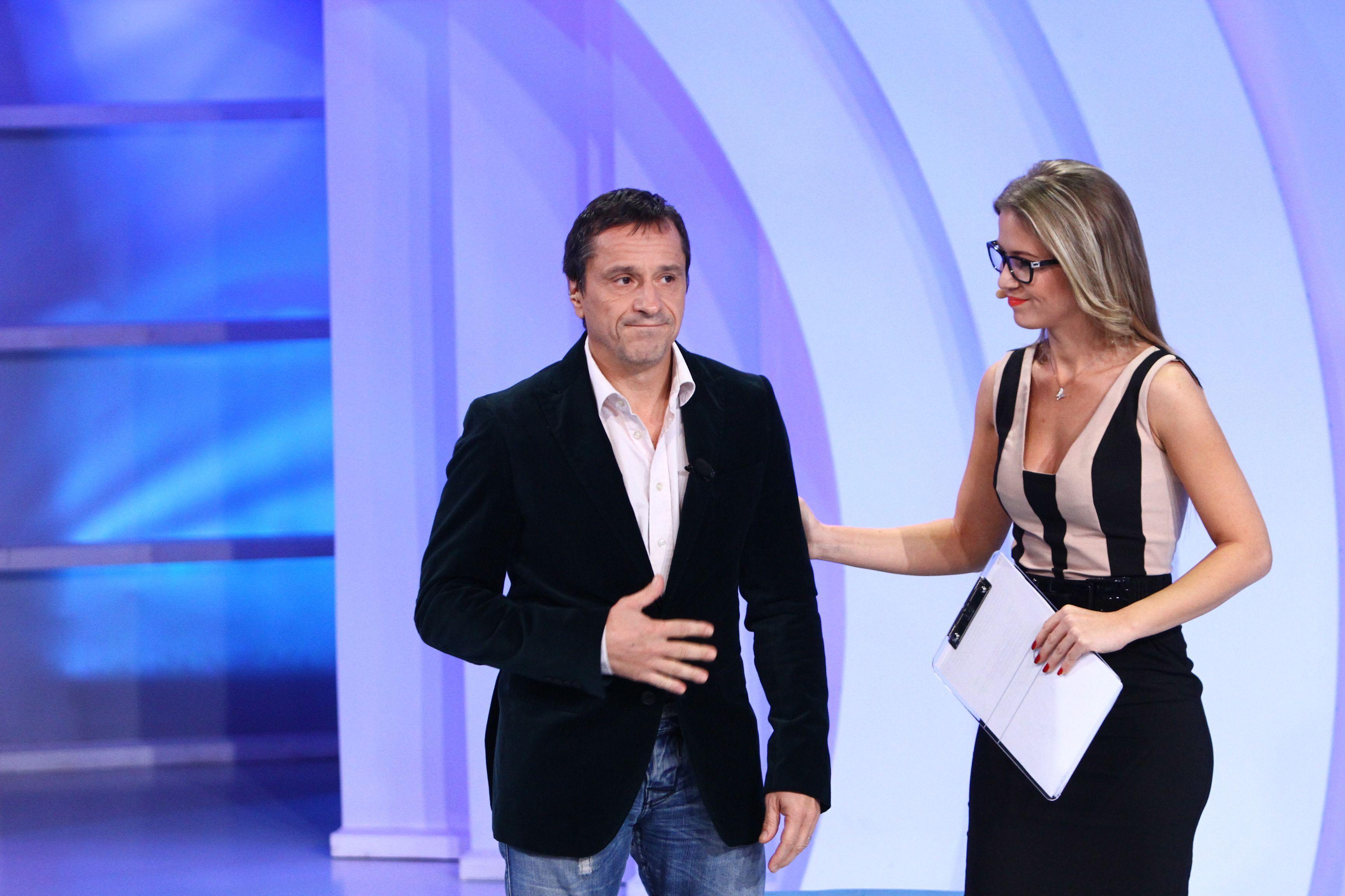 Claudiu Bleonț susține doi copii care cresc fără mama lor,  plecată la muncă, în Italia