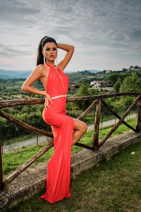 """Sexy """"Burlăcița"""" Daniela Crudu spune că a fost luată prin surprindere!"""