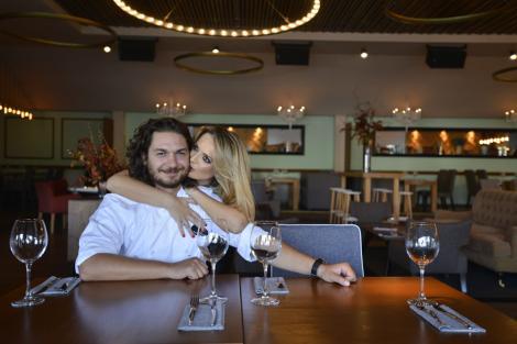 """Surpriză de zile mari pentru chef Florin Dumitrescu: soția lui vine la """"Chefi la cuțite"""". Uite ce frumoasă este Cristina"""