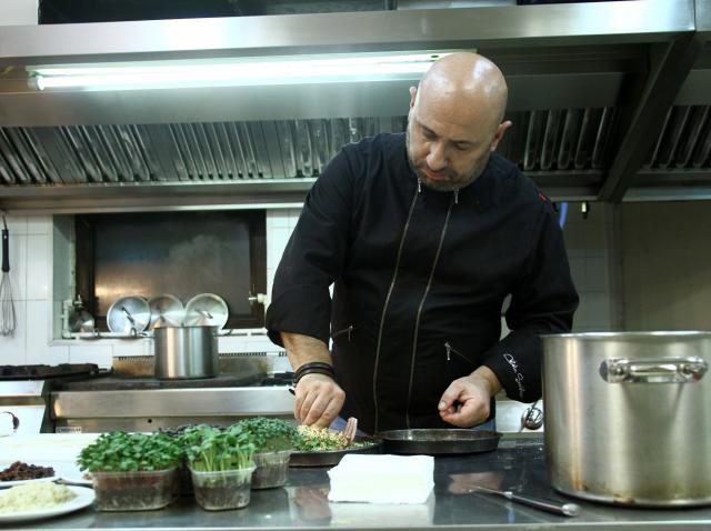 Tartă cu ceapă, o rețetă cu puține ingrediente, dar efecte MAXIME! Chef Cătălin Scărlătescu te învață cum se face!