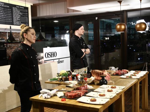 """Michael si Maria se luptă pentru marele premiu  la """"Hell's Kitchen – Iadul bucătarilor""""!"""