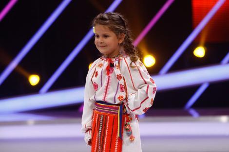 De pe Internet, direct la Next Star! Fetița care a stârnit uimirea juriului cu o simplă poezie''Ce-ți doresc eu ție, dulce Românie?''