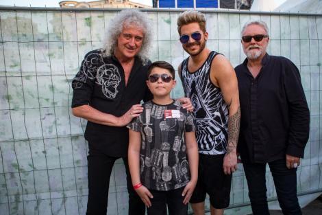 """Alex Pîrvu e printre legendele lumii! Brian May l-a felicitat pentru prestația de la """"Next Star"""", iar puștiul și-a văzut visul cu ochii: i-a întâlnit pe membrii trupei Queen"""