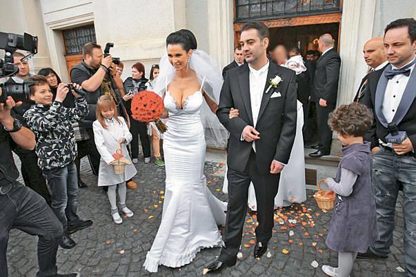Peripeţii de nuntă! Ce a uitat Nicoleta Luciu să facă în cea mai importantă zi din viaţa ei