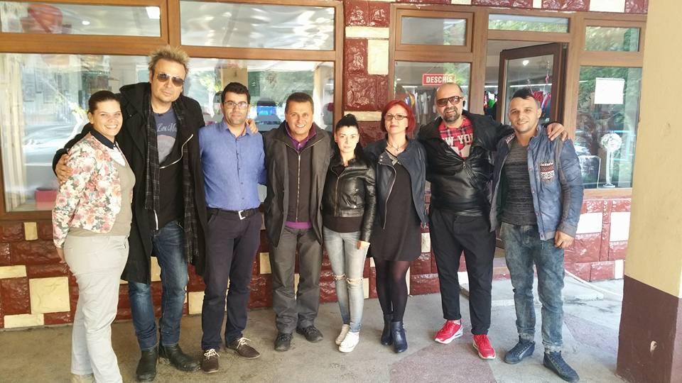 Natalia Mateuț, Doinița Oancea, Daniel Iordăchioae și Dan Helciug îl ajută pe nea Mărin  să facă nuntă la Dunăre