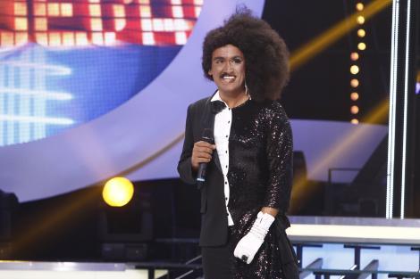 """Premieră la """"Te cunosc de undeva!"""": Cezar Ouatu îi imită simultan pe Diana Ross și Lionel Richie"""