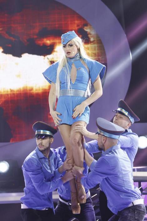 Cea mai toxică transformare: Raluka a fost, pentru o seară, Britney Spears
