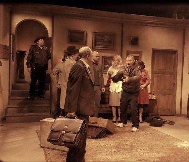 """Imagini de la repetitiile piesei de teatru """"Bani din cer"""" (FOTO)"""