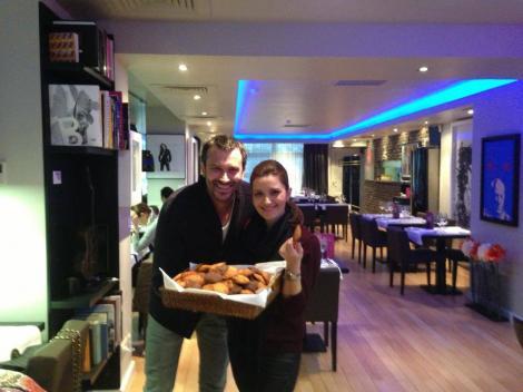 Nicolai Tand îşi sărbătoreşte onomastica gătind