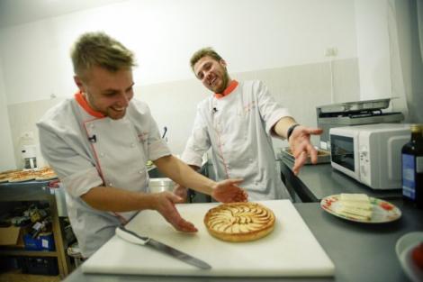 Concurenţi de la Top Chef vor cânta, duminică, la X Factor