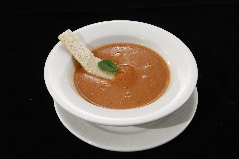 Gazpacho cu ulei de arahide –  un preparat senzațional recomandat de Alexandra Leon