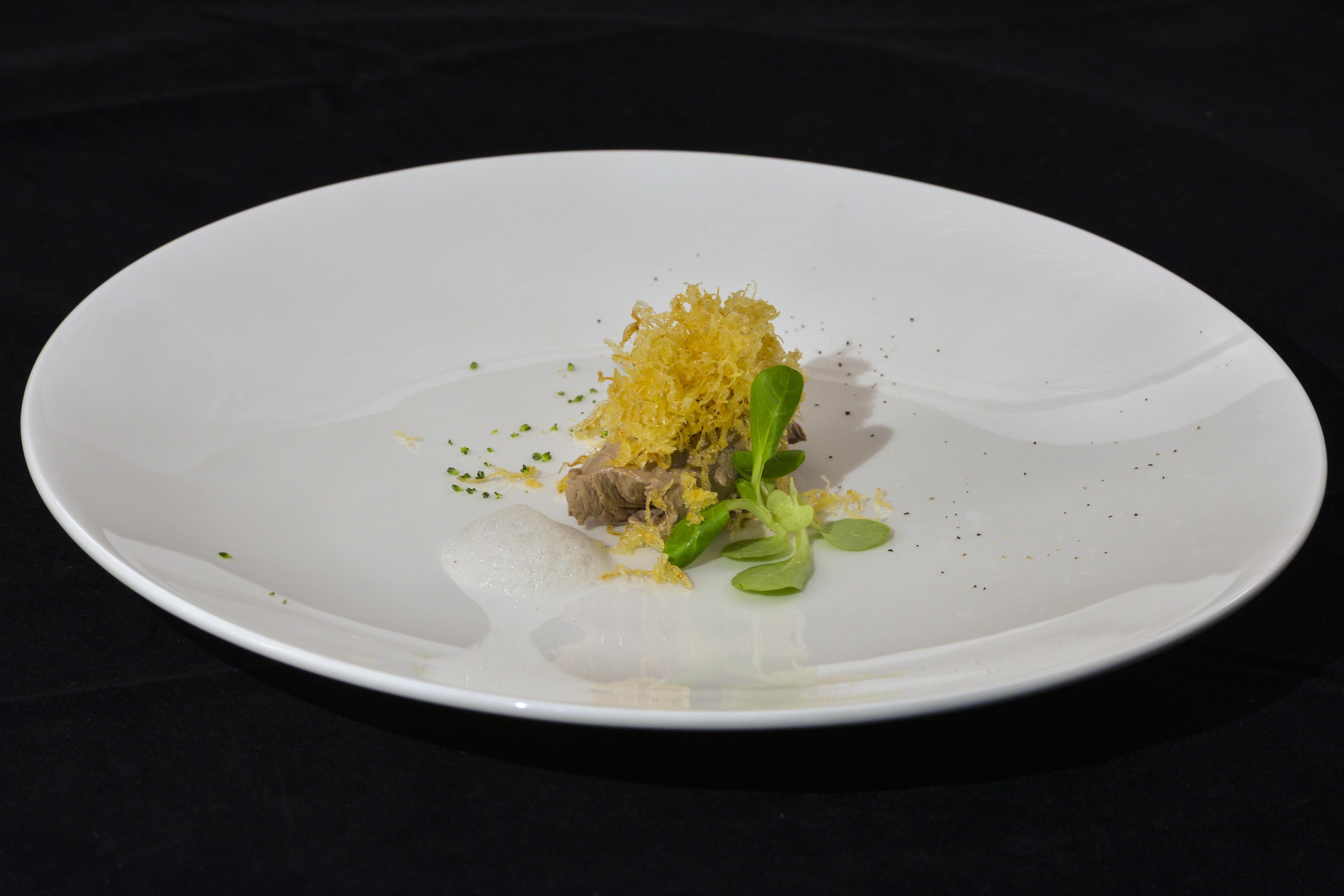 Mousse din ficat de pui cu foie gras – pregătit de Alexandru Iacob