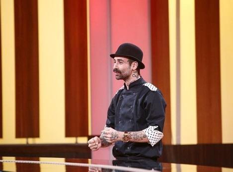 """Kani (Andrei Hîncu) în platoul emisiunii """"Chefi la cuțite"""" sezonul 8"""