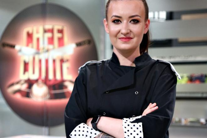 """Roxana Blenche în bucătăria emisiunii """"Chefi la cuțite"""" de la Antena 1"""