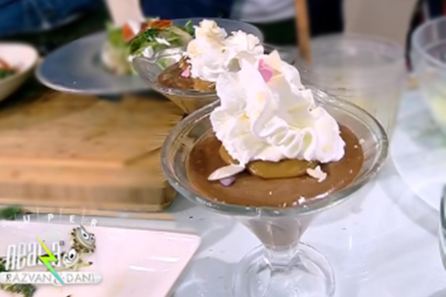 Chef Nicolai Tand a preparat mousse de ciocolată cu caramel sărat