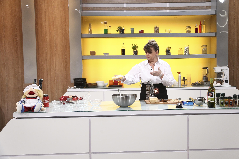 """Gloria Badea în bucătăria emisiunii """"Chefi la cuțite"""", sezonul 9"""