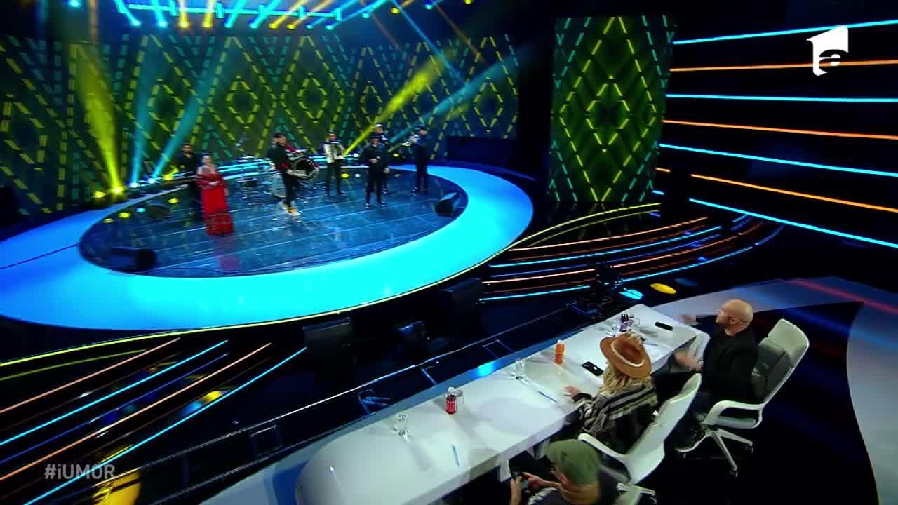 """Damian Drăghici, super show pe scena iUmor. Delia: """"Bine, bine, luați-vă de ochii mei!"""""""