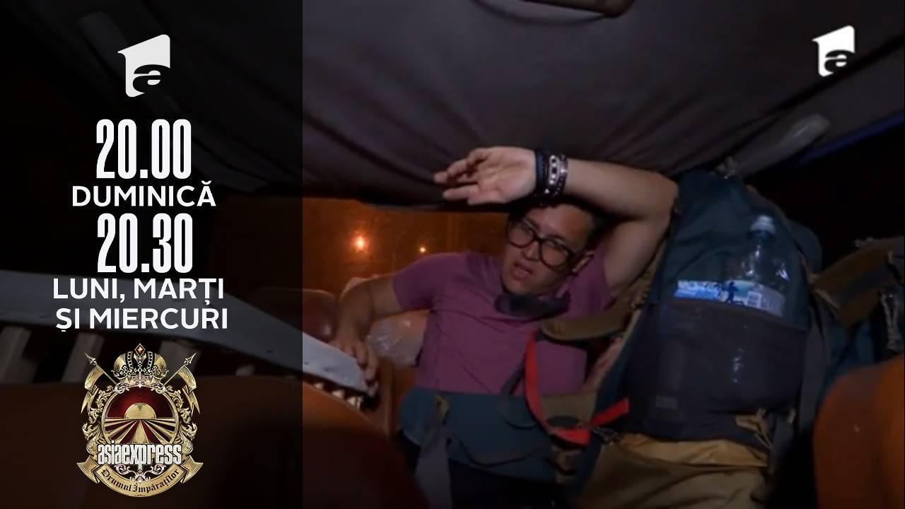 Asia Express sezonul 4, 27 septembrie 2021. Francesco, fiul Patriciei Paglieri, este speriat de cocoşul din cușcă