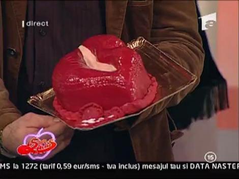 Bianca a primit un tort in forma de buze